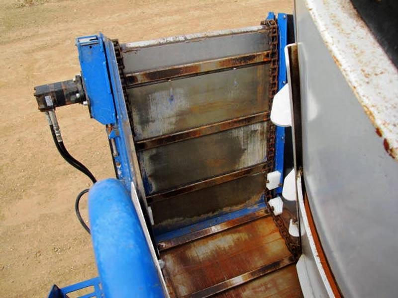 Penta 5020 SD vertical mixer wagon | Farm Equipment>Mixers>Vertical Feed Mixers - 5