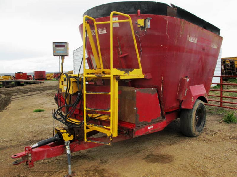 Supreme 600T vertical mixer wagon