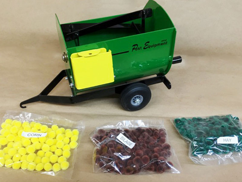 Green Lil' Mix Toy Feeder Wagon   Farm Equipment Parts>Toys / Misc Parts - 6