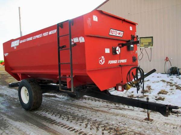 Roto-Mix 524-15B Reel Mixer Wagon