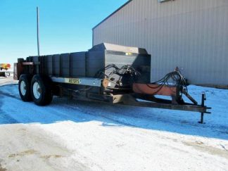 Meyers-M700-Manure-Spreader