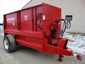 Mono-Mixer-1315-Feeder-Wagon | Post Equipment - Farm Equipment for Sale