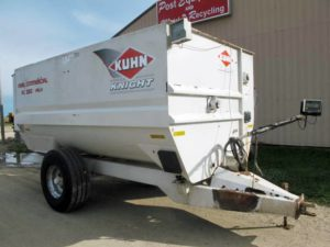 Knight RC 250 Helix Reel Mixer Wagon