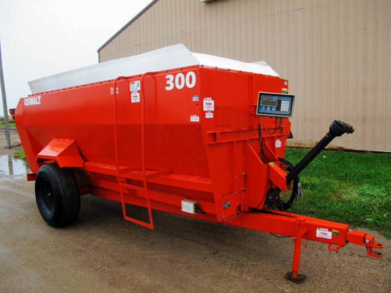 Oswalt 300 3 Auger Mixer Wagon