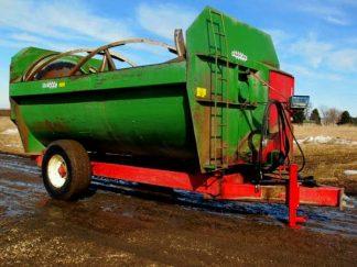 Farm-Aid-680-Reel-Mixer-ID2904