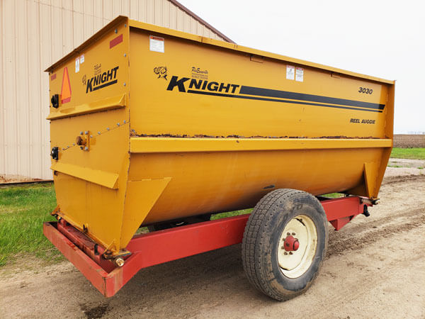 Knight-3030-Reel-Mixer-Wagon-ID2917