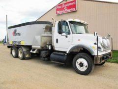 Penta-8020-HD-on-04-IH-Truck-ID2799-1