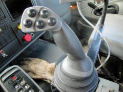 Penta-8020-HD-on-04-IH-Truck-ID2799-9