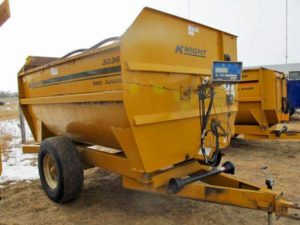 Kuhn Knight 3036 reel mixer