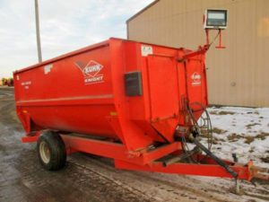 Kuhn Knight 3130 Reel Mixer Wagon
