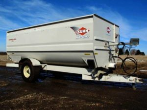 Kuhn-Knight-3170-Reel-Mixer-Wagon