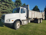 Kuhn-Knight-1170-Manure-Spreader-Truck-Mount-On-A-2001-Freightliner-Truck-ID2995