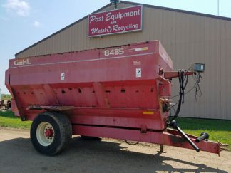 Gehl-8435-4-Auger-Feed-Mixer-Wagon-ID3048