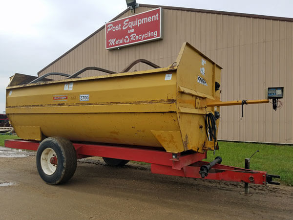 Knight-3700-Reel-Mixer-Wagon-ID3043