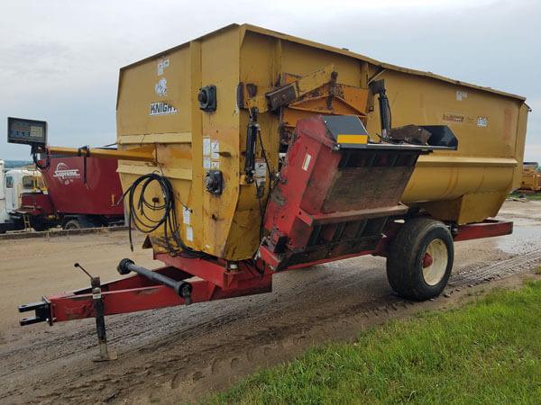 Knight-3700-Reel-Mixer-Wagon-ID3043