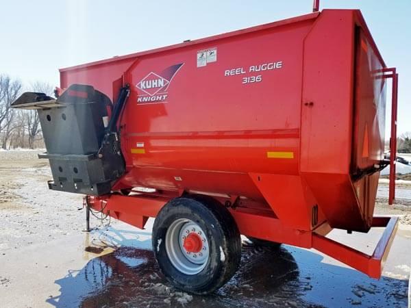 Kuhn-Knight-3136-Reel-Mixer-Wagon-ID3040