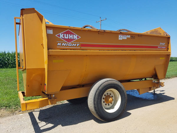 Kuhn-Knight-3142-Reel-Mixer-Wagon-ID3031