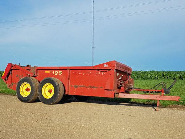 New-Holland-195-Manure-Spreader-ID3037