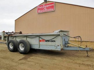 New-Idea-3639-Manure-Spreader-ID3020