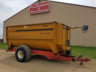 Kuhn-Knight-3030-Reel-Mixer-Wagon-ID3068