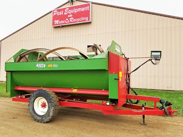 Farm-Aid-340-Reel-Mixer-ID3074