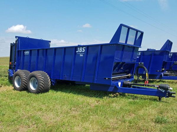 JBS-2248-E-Series-Manure-Spreader-ID3101