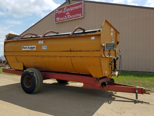 Knight-3700-Reel-Mixer-Wagon-ID3103