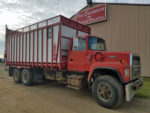 Meyers-8120-Boss-Silage-Box-Mounted-Ford-L8000-Truck-ID3146