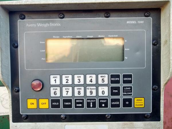 Farm-Aid-440-Reel-Mixer-Wagon