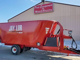 Jaylor-4650-Vertical-Mixer-Wagon