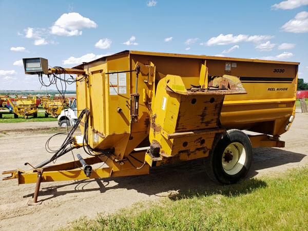 Knight-3030-Reel-Mixer-Wagon-ID3156