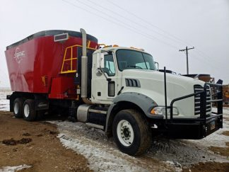 Supreme-1400T-Vertical-Feed-Mixer-Truck-Mount-Mack-Truck