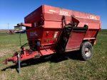 Gehl-8335-4-Auger-Mixer-Wagon-ID3283