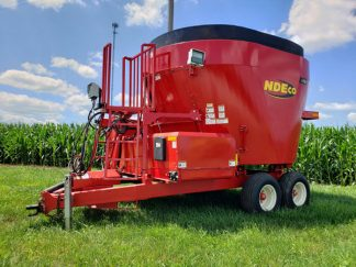NDE-FS700-Vertical-Feed-Mixer-Wagon