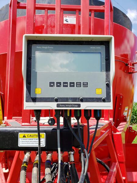 NDE-FS700-Vertical-Feed-Mixer-Wagon