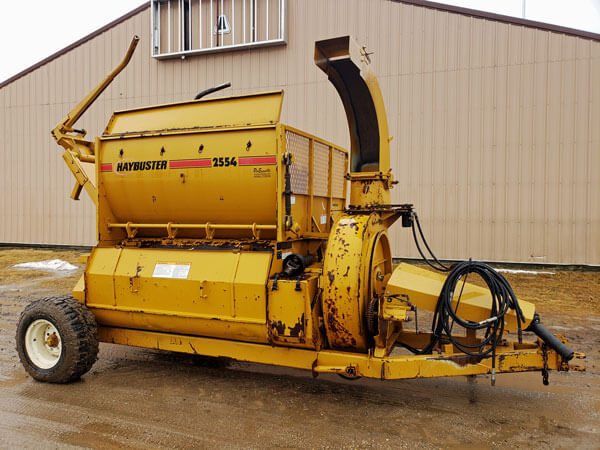 Haybuster-2554-Top-Discharge-Bale-Processor-ID3308