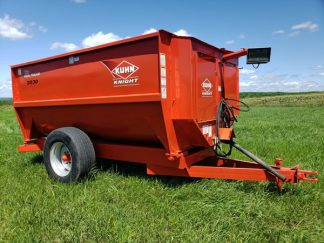 Knight-3030-Reel-Mixer-Wagon