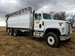 IH-Straight-Truck-with-Silage-Grain-Dump-Truck-ID3373