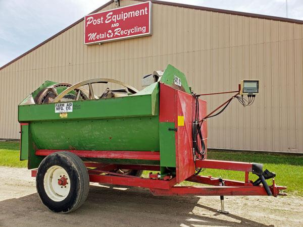 Farm-Aid-250-Reel-Mixer-Wagon