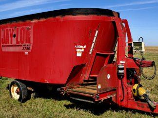 Jaylor-3750-Vertical-Mixer-Wagon