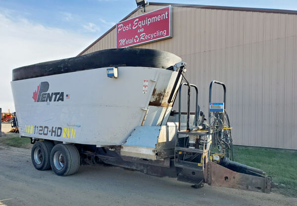 Penta-1120-HD-Vertical-Mixer-Wagon