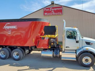 Supreme-1200T-Vertical-Mixer-Mounted-On-2020-Peterbilt-Truck
