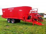 Trioliet-3-4600-Triple-Auger-Vertical-Mixer-Wagon