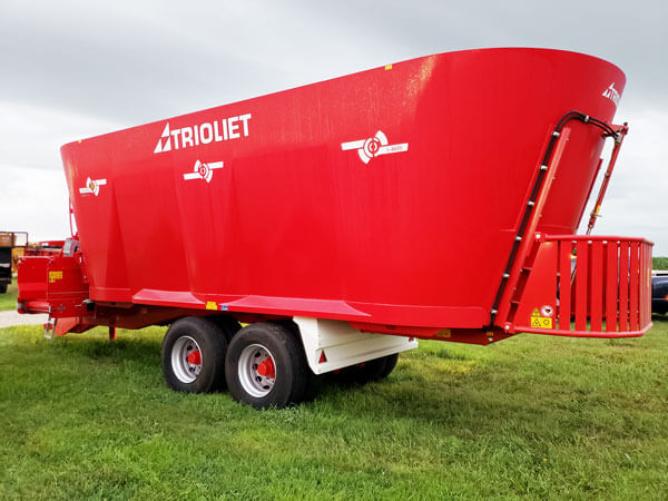 Trioliet-3-4600-Triple-Auger-Vertical-Mixer-Wagon