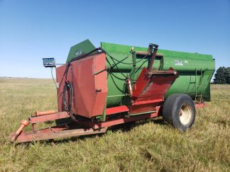 Farm-Aid-430-Reel-Mixer-ID3466-1
