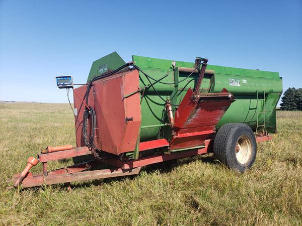 Farm-Aid-430-Reel-Mixer-ID3466-1