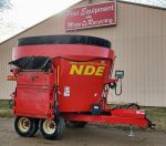 2014-NDE-1652-Vertical-Mixer-Wagon