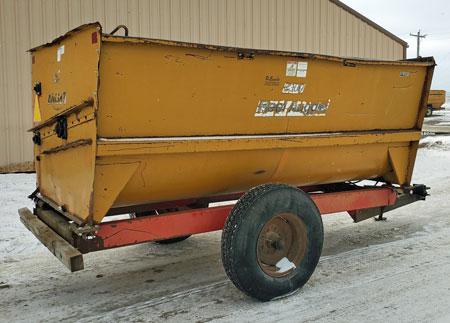Knight-2300-Reel-Mixer-Wagon