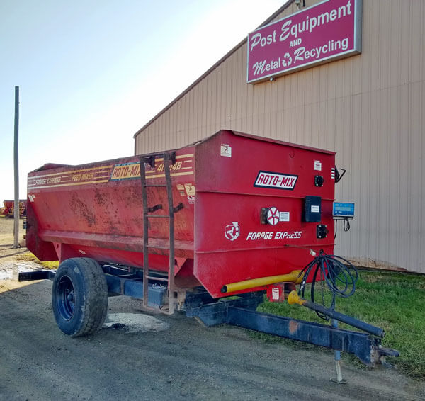 Roto-Mix-414-14B-Reel-Mixer-Wagon