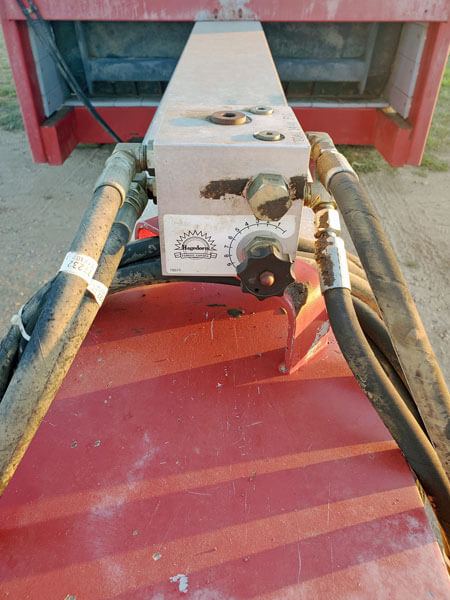 Hagedorn-2414-Hydra-Push-Horizontal-Manure-Spreader